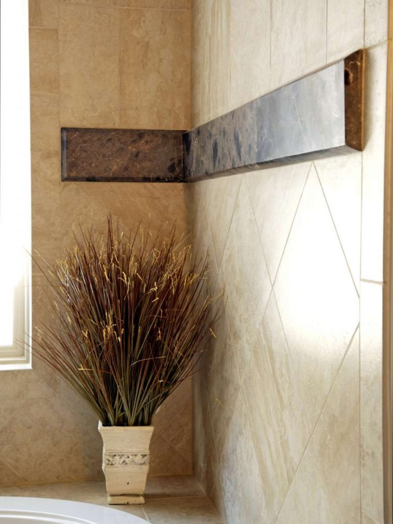 marble detail at tub surround in Dallas master bathroom remodel