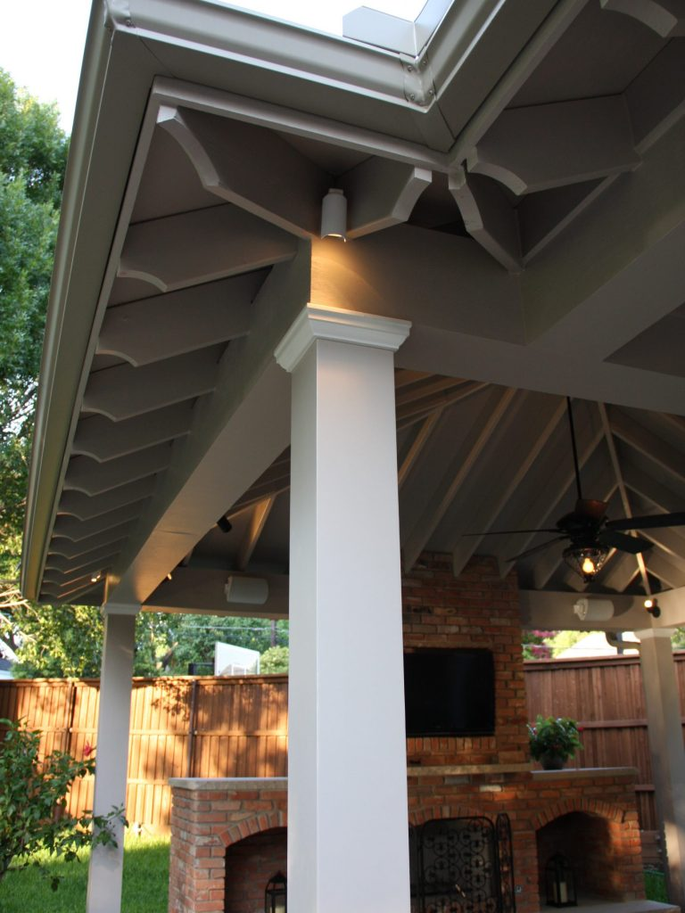 outdoor living exposed rafter ceiling